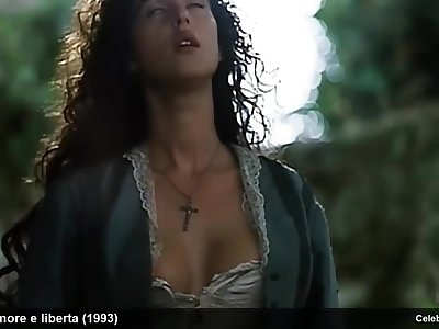 Celebrity Monica Bellucci Exposing Her Gorgeous Tits During Sex