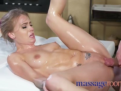 Massage Rooms Horny oiled petite British woman fucked hard squirting