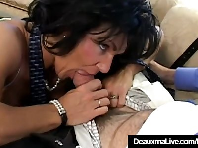 Texas Cougar Deauxma Is Anal Screwed By A Fan!