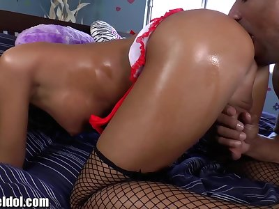 ShemaleIdol TS Nurse Ass Romped by Black Guy